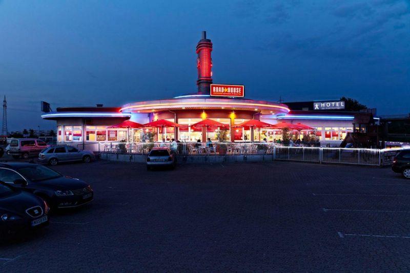roadhouse-diner-12
